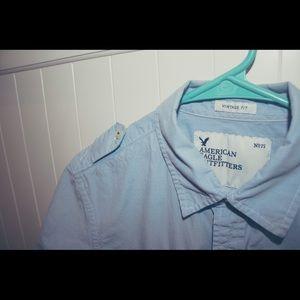 AE men's short sleeved shirt